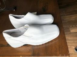 Rockers by Cherokee Speedway Nurse / Walking Shoes NWT WHITE